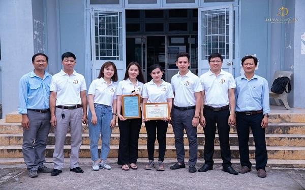 Cùng Diva Group trao tặng xe đạp cho trẻ em nghèo hiếu học tỉnh Tiền Giang