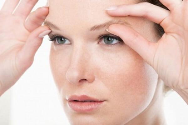 Khi nào thì bạn cần thực hiện bóc mỡ mí mắt?