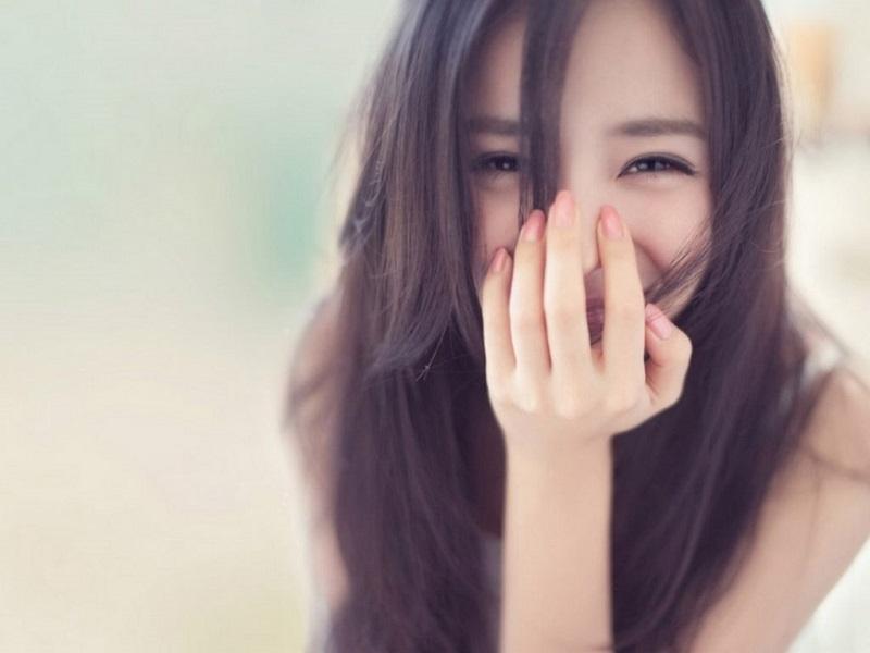 [Chia sẻ bí quyết] Cách cười đẹp cho người môi dày