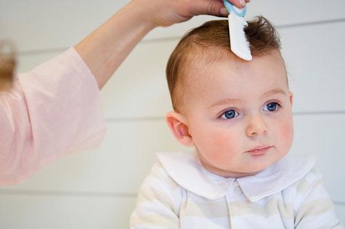 """Các kiểu tóc cho bé trai sơ sinh """"SIÊU"""" ngộ nghĩnh, đáng yêu"""