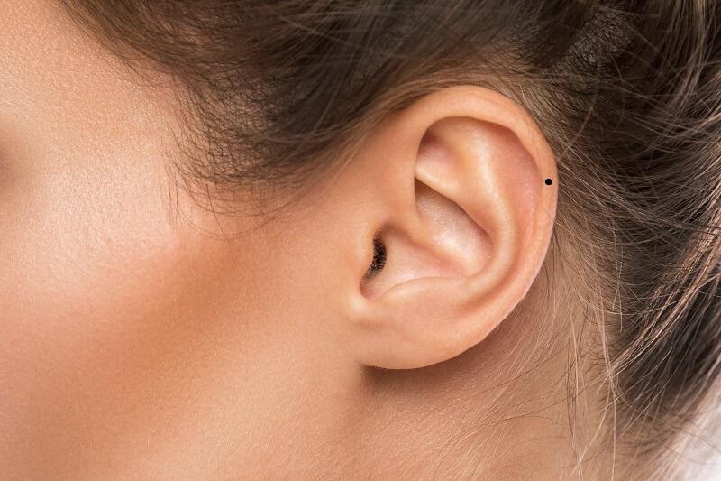 Nốt ruồi ở tai bên trái, bên phải nam - nữ có ý nghĩa gì?