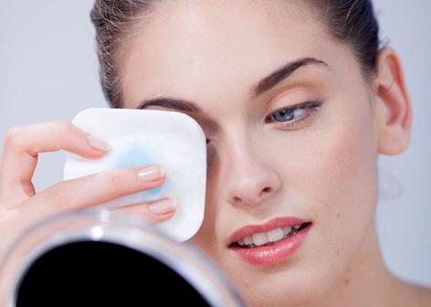 """Chăm sóc da vùng mắt: Nguyên tắc """"vàng"""" để có đôi mắt đẹp"""